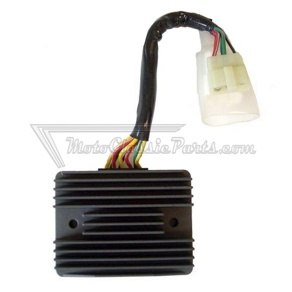 Regulador / Regulator SUN SH689-FA - 12V - Trifase - CC - 8 Cables - Con Sensor